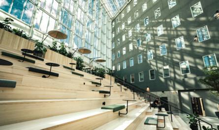 VALO Work toimitilat Helsinki aula